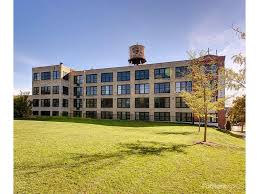 2 Bedroom Apartments For Rent In Milwaukee Wi by Knitting Factory Lofts Apartments Milwaukee Wi Walk Score