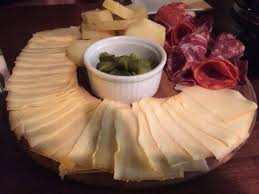 plateau bar cuisine plateau bar cuisine el mundo queso cheesewine bar restaurant
