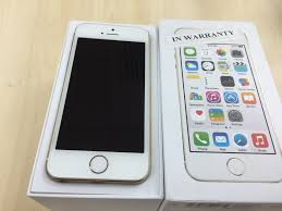 Selling iphone 5s 16 gb gold colour