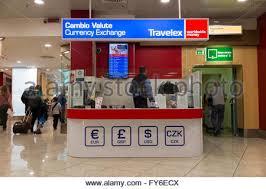 bureau de change travelex bureau de change office operated by travelex at heathrow airport