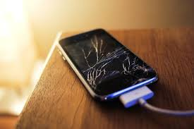 How to Change iPhone 4 Cracked Screen fynd