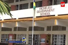bureau enseignant école primaire de richelieu un enseignant agressé par un parent