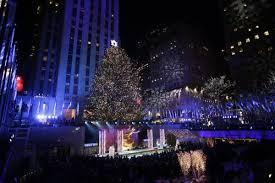 Rockefeller Christmas Tree Lighting 2018 by Rockefeller Christmas Tree Lights Up To Begin Holiday Season Upi Com
