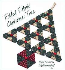 Free Sewing Pattern Folded Fabric Christmas Tree Freedesigns