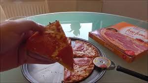 radio cuisine lidl lidl pizza alfredo salami