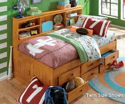 Full Size Bed With Trundle by Honey Full Size Bookcase Captain U0027s Day Bed With Trundle Day Beds