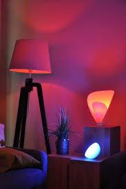 so schön sieht das licht der hue len im wohnzimmer aus