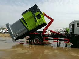 China Dongfeng Hook Arm Garbage Truck With Compressed Garbage ...