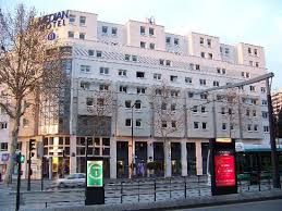 median porte de versailles hotel is 220 yards from balard