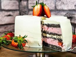 die erdbeer mohn torte eine erdbeermundsüße verführung