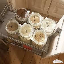 organisiere deine küche aufbewahrung in gläsern und