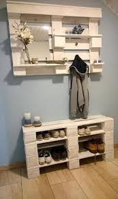 15 Creative DIY Reclaimed Wood Pallet Shoe Rack