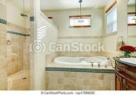 elegantes modernes badezimmer mit antikem holzschrank