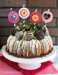 Chocolate Cake Decorations With Strawberries Packed Adding Chips And Covere AA F
