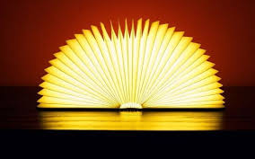 Lumio Book Lamp IPPINKA