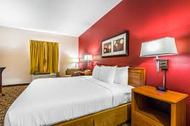 Quality Inn & Suites Chesterfield Village 3930 South Overland