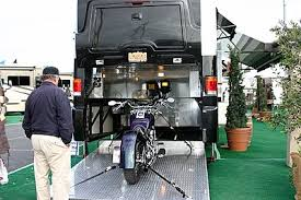 Garage Source Model Photo Credit Courtesy Of Evergreen RV If You Dont Want A Fifthwheel With The Full