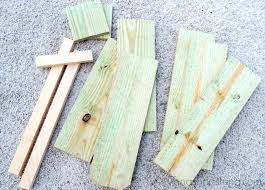 Cut Wood Pieces For Rustic Pumpkin Stand