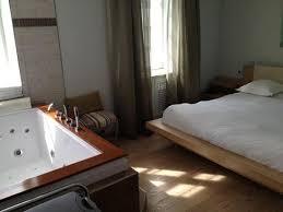hotel avec baignoire balneo dans la chambre 12 notre h244tel