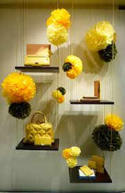Christmas Tree Shop Shrewsbury Ma by Best 20 Store Windows Ideas On Pinterest Store Window Displays