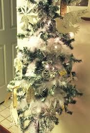 DIY FLOCKED CHRISTMAS TREE USING SPRAY PAINT