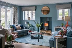 klassisches wohnzimmer in blau mit bild kaufen