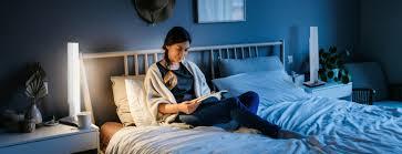tipps für eine smarte schlafzimmerbeleuchtung paul neuhaus