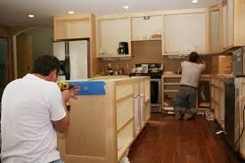 küche aufbauen anleitung in 5 schritten