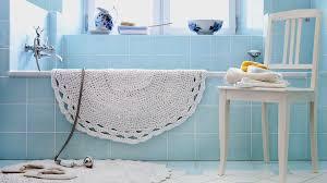 badteppich vom bett ins bad grossmutters alte bettwäsche