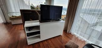 tv möbel mit tv lift kaufen auf ricardo