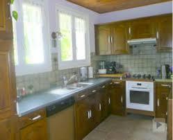 comment repeindre une cuisine en bois repeindre des meubles de cuisine rustique en bois deco cool