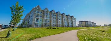 100 Apartment In Regina The Club Deveraux Communities