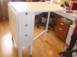 table de bureau ikea table bureau cool table blanche et bois bureau table basse