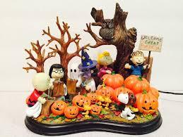 Snoopy Halloween Pumpkin Carving by Danbury Mint Welcome Great Pumpkin Peanuts Halloween Sculpture