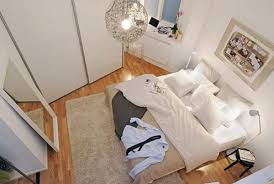 sehen sie wie ein kleines schlafzimmer gestaltet werden kann