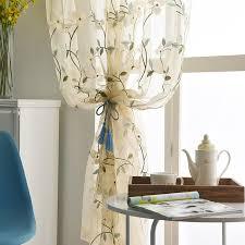 landhaus stil gardine mit blumen motiv für wohnzimmer