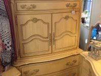 broyhill dining set cherry attic heirlooms china hutch and base
