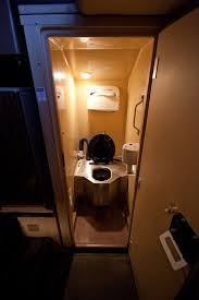 Do All Amtrak Trains Have Bathrooms by Are There Toilets In American Freight Train Locomotives