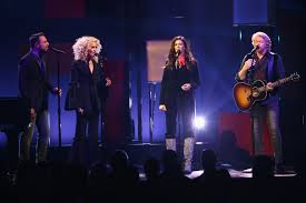 Gallaher Flooring Las Vegas by Little Big Town Pay Homage To Glen Campbell With U0027witchita Lineman