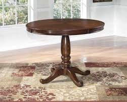 Leahlyn Round Dining Table