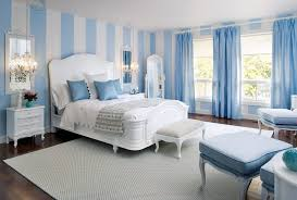 hellblaue schlafzimmer streichen idee für optische