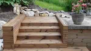 un escalier extérieur en bois comment faire le bon choix
