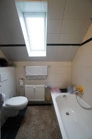 helle moderne 2 zimmer dachgeschosswohnung in beliebter