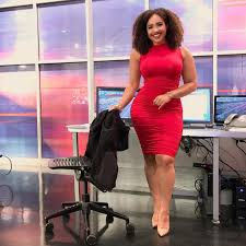 People Are Defending A Dallas TV Anchor After Viewer Criticizes Her Outifts