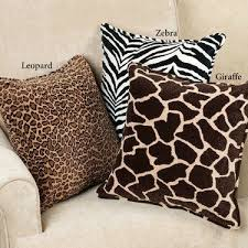 Safari Living Room Decorating Ideas by Safari And Red Daisies Giraffe Bedroom Ideas Pinterest