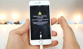 Liquid ingress warning in iOS 10 beta protects iPhone against