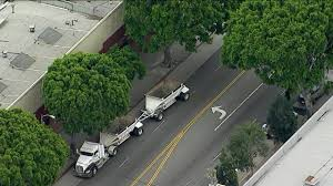 100 Truck Driving Schools In Los Angeles 14yearold California Girl Dies After She And Sister Hit By Big Rig
