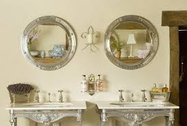 Advantages And Types Of Bathroom Mirror Ideas