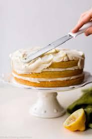 zitronen torte mit zitronen frischkäse buttercreme rezepte eın