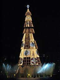 Twinkling Christmas Tree Lights Uk by The Best Christmas Decorations Around The World